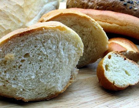 Stary chleb i bułki można odświeżyć...
