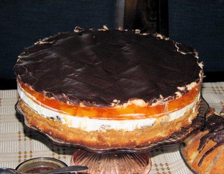 Tort brzoskwiniowy z toffi