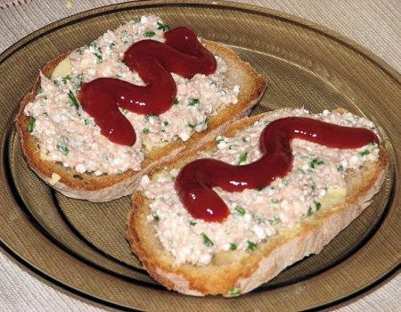 Tuńczykowa pasta z białym serem