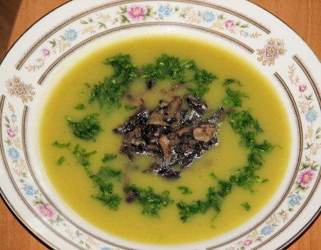 Zupa krem kalafiorowo-ziemniaczana z pieczarkami