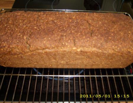 Ciemny chleb /domowy wypiek/