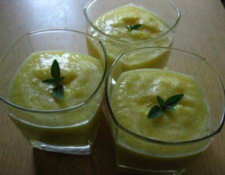 Koktajl ananasowo-gruszkowy