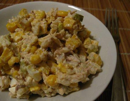 Sałatka ryżowa z tuńczykiem