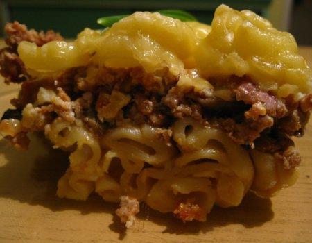 Zapiekanka makaronowa w serowym sosie