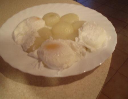 Jajka gotowane bez skorupek
