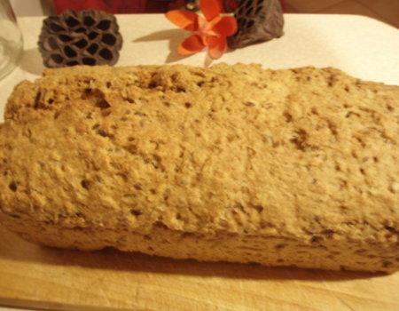 Chleb pszenno-żytni ze słonecznikiem i siemiem lnianym (metodą domową)