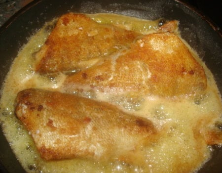 Jak usunąć zapach i smak z patelni po smażeniu ryby?