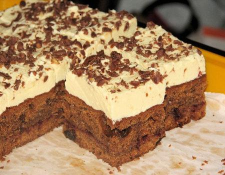 Ciasto bakaliowe z dżemem i budyniowym kremem