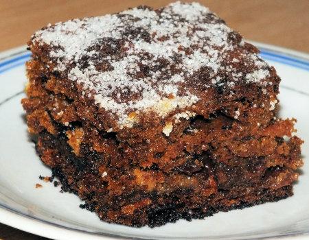 Ciasto marchewkowe z bakaliami i masą krówkową