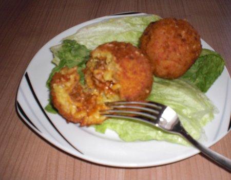 Kotleciki serowo-ryżowe z mięsem tzw. Arancini