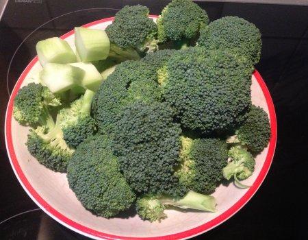 Zupa brokułowa-krem z makaronem i parmezanem