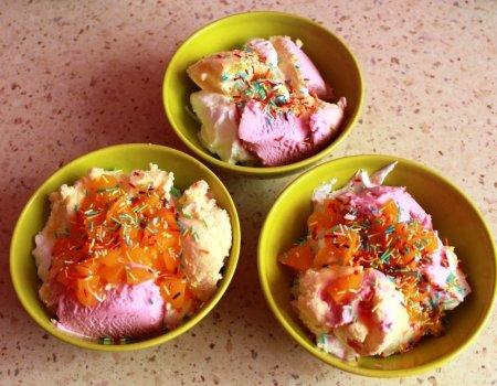 Deser lodowy z brzoskwinią