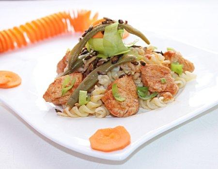 Potrawka z kurczakiem i makaronem