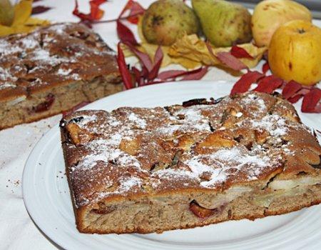 Ciasto korzenne z owocami