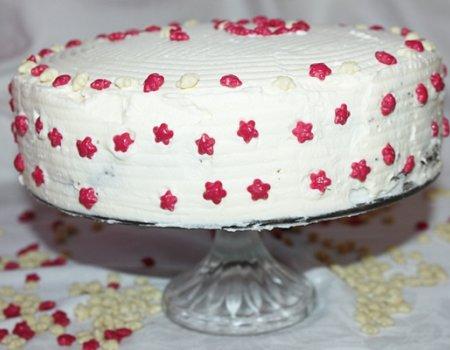 Tort makowo-śmietanowy