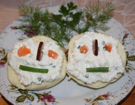 Kolorowe kanapeczki z twarożkiem