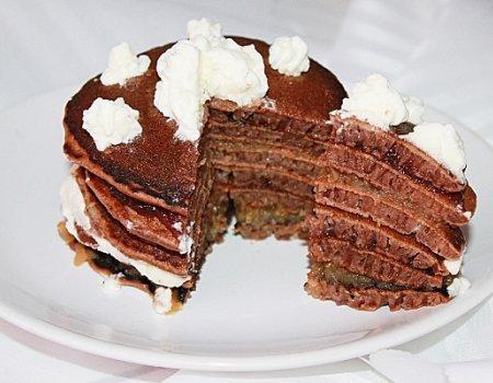Torcik naleśnikowy o smaku czekolady