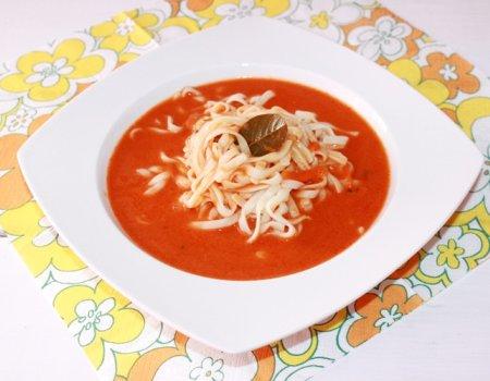 Pomidorowa z nutą kardamonu i goździków