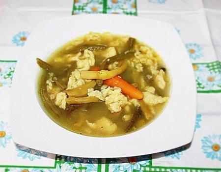Zupa warzywna z zacierkami