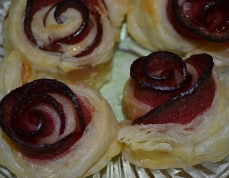 Róże z salami