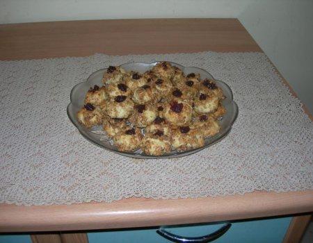 Ciastka orzechowe kulki - pieczone