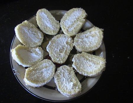 Rolada nadziewana cytrynową bitą śmietaną