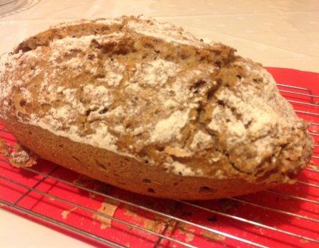 Chleb żytni na zakwasie pieczony w formie silikonowej Lekue