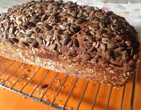 Chleb razowy na zytnim zakwasie
