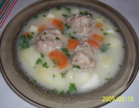 Zupa mięsna po warmińsku