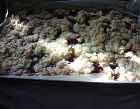 Ciasto a'la drożdzowe z owocami