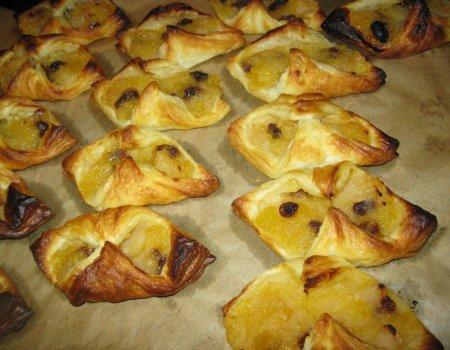Ciastka francuskie z nadzieniem jabłkowym