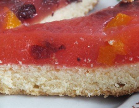 Ciasto z kisielem i owocami
