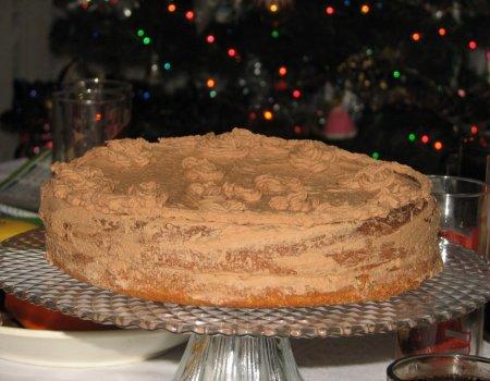 Noworoczny orzechowy torcik z czekoladowo-ajerkoniakową masą