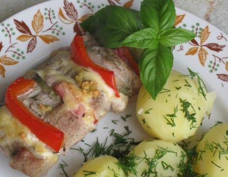 Polędwiczki faszerowane papryką, ogórkiem, cebulą i serem