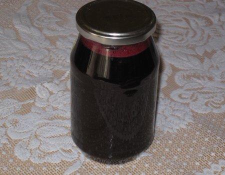 Sok z aronii z wiśniową nutką