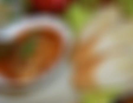 Sałatka z czerwoną fasolą i słonecznikiem