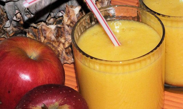 Ananasowo-pomarańczowe smoothie