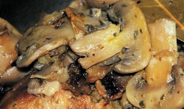 Aromatyczny karczek z pieczarkami