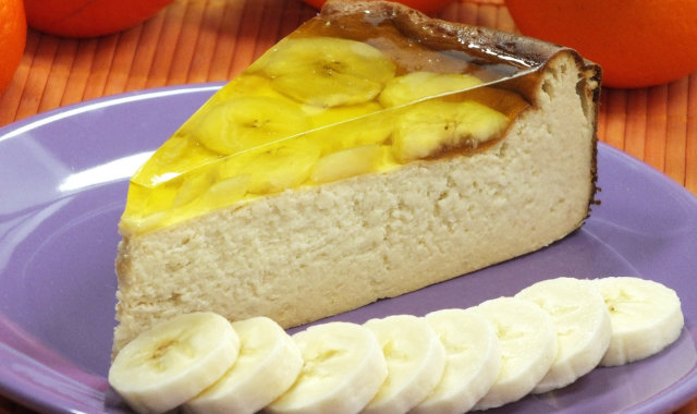 Bananowy sernik z galaretką