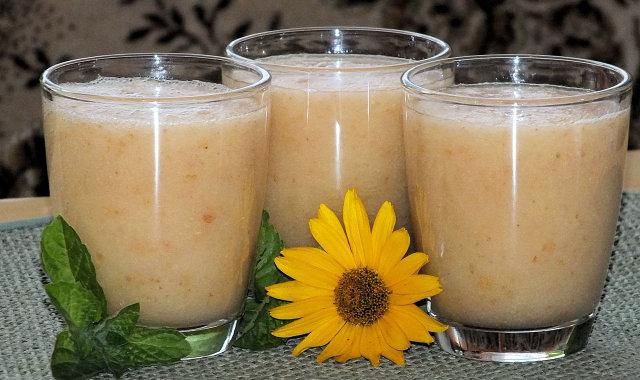 Gruszkowo-grejpfrutowe smoothie