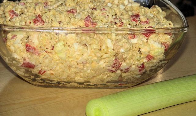 Paprykowa sałatka z kurczakiem