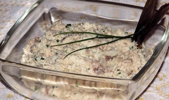 Pasta z makreli i selera