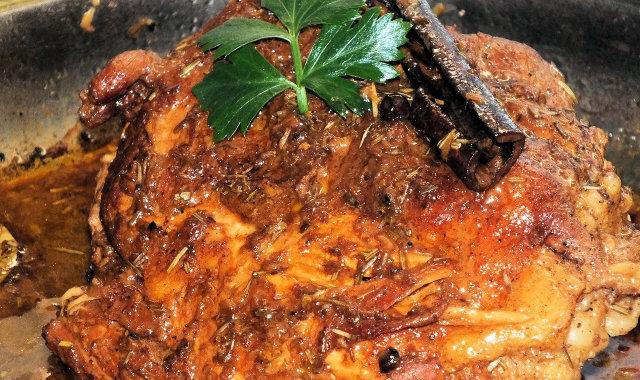Pieczeń wieprzowa z goździkową i cynamonową nutką