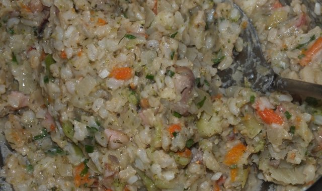 Brązowy ryż w warzywach