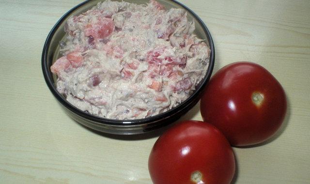 Pasta z makreli i pomidorów