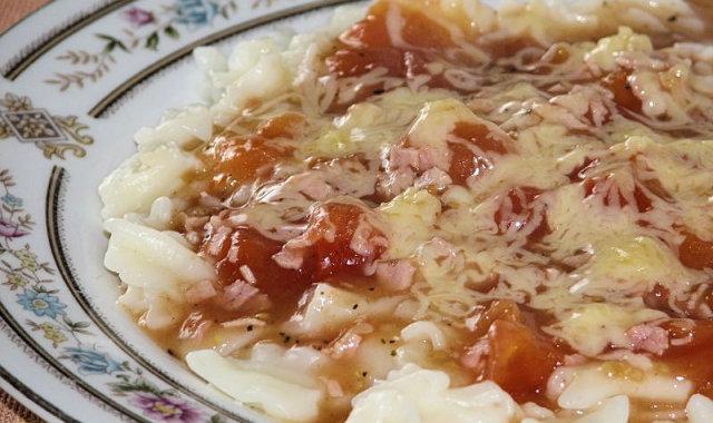 Sos pomidorowo-szynkowy