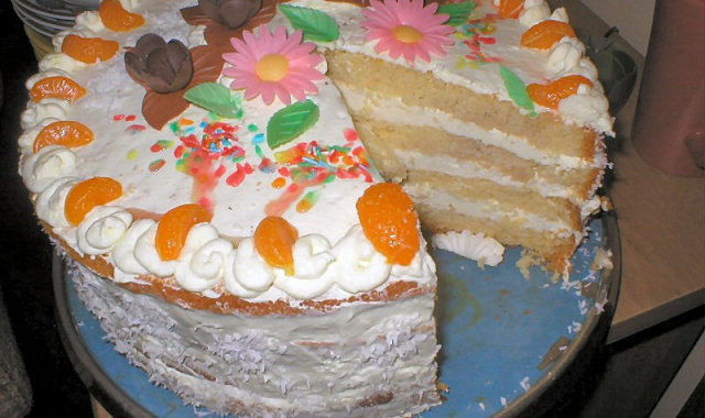 Tort śmietankowo cytrynowy
