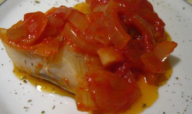 Śledzie w miodowo-pomidorowym sosie