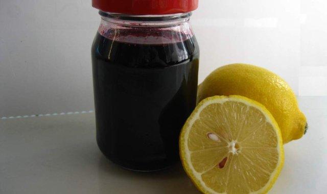 Syrop z owoców czarnego bzu