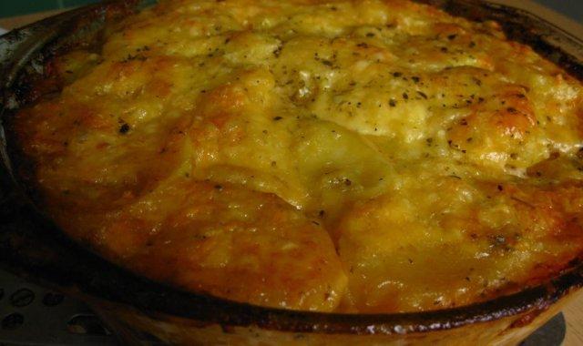 Zapiekanka ziemniaczana z mięsem mielonym i pieczarkami